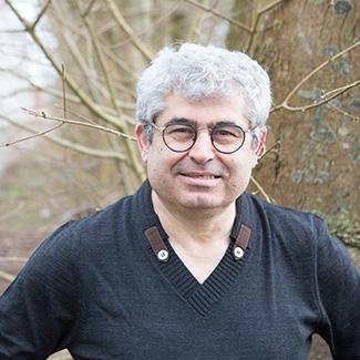 Presentatie gedichtenbundel Stem die baart – Ali Şerik